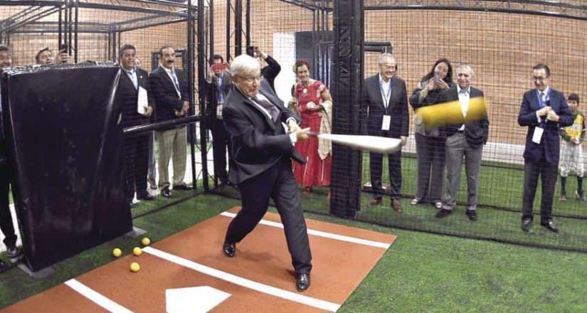 AMLO dice que el beisbol es pasión infinita, tras triunfo de Tampa