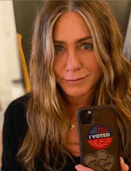 Jennifer Aniston pide ignorar a Kanye West y votar por Joe Biden