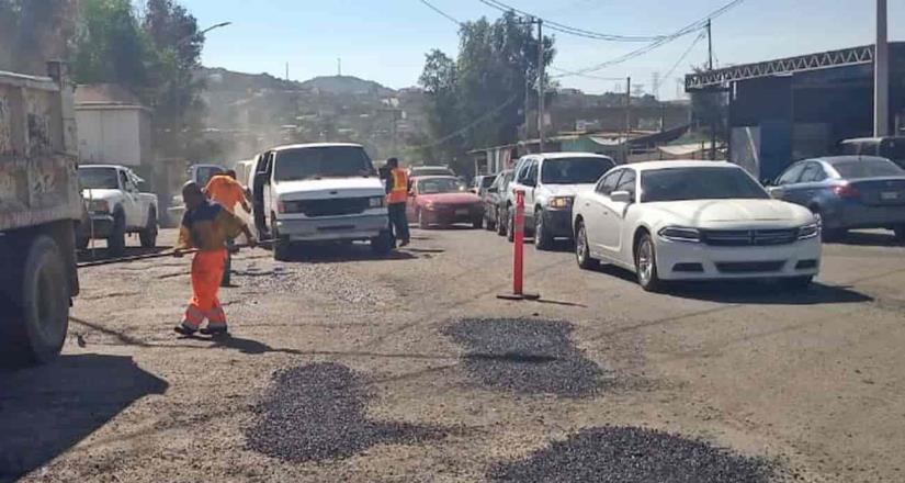 Intensifica XXIII ayuntamiento de Tecate programa de bacheo el Blvd. Federíco Benítez
