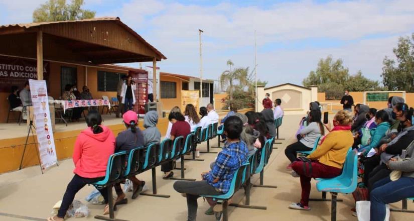 Presentan programas en lenguas indígenas
