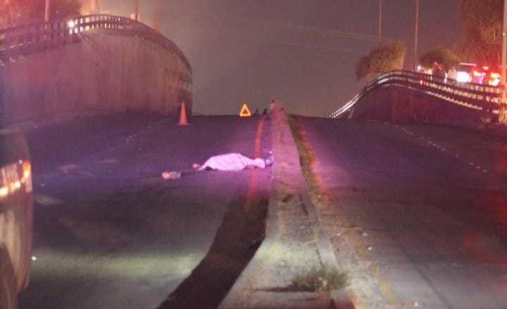 Muere hombre al intentar cruzar la carretera en la colonia El Pípila