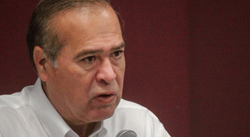 Arturo González se perfila como favorito para gobernador
