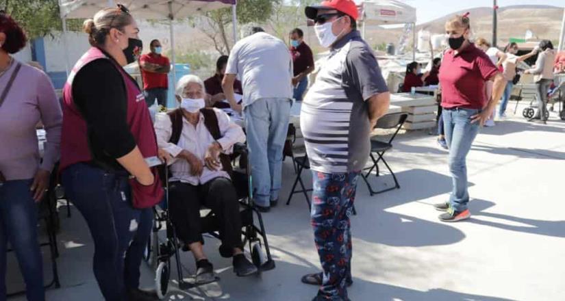 Atiende Ayuntamiento a más de 280 personas en jornada MOVIDIF en Valle de las Palmas