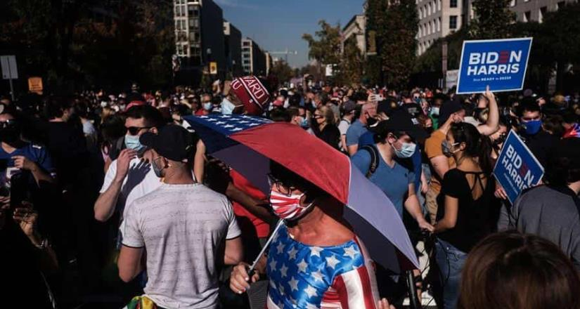 Estadounidenses celebran bailando, cantando y manifestándose tras triunfo de Biden