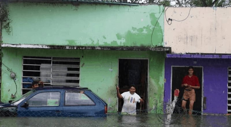 Inundaciones en Tabasco alcanzan hasta tres metros de altura