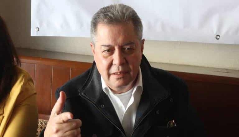 Jaime Martínez Veloz, sufrió un accidente automovilístico en La Rumorosa