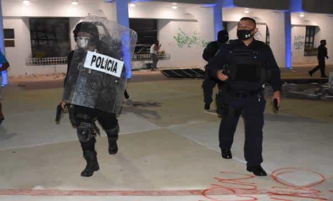 Separan del cargo a director de Seguridad en Cancún