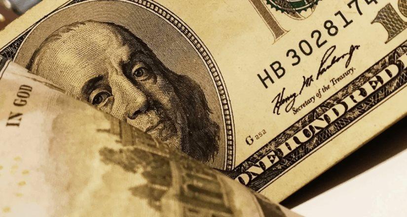 Dólar cotiza otra vez en más de 21 pesos