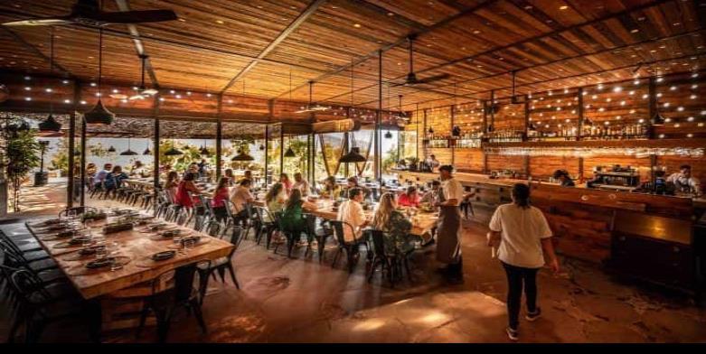Fauna en Valle de Guadalupe será galardonado como el mejor restaurante emergente del año.
