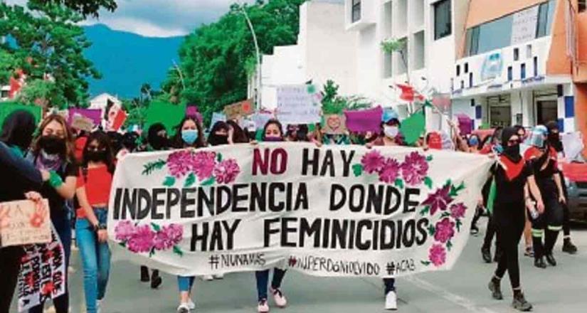 Protestan mujeres en Yucatán en apoyo a feministas agredidas en QR
