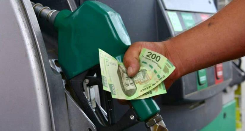 Cae precio de gasolinas por mayor oferta