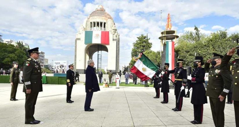 Encabeza AMLO ceremonia por el 110 Aniversario de la Revolución