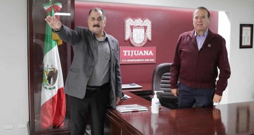 Arturo González toma protesta a nuevo titular de la Secretaría de Movilidad Urbana y Transporte