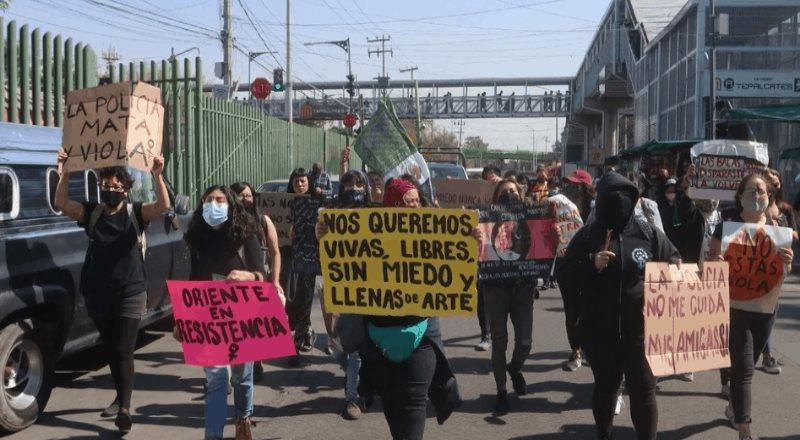 Marchan por violencia contra la mujer; se dirige al Zócalo