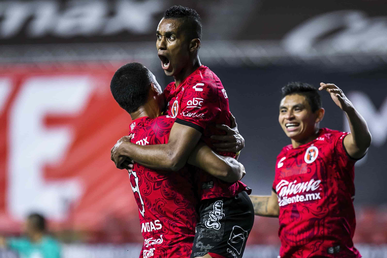 Victoria Xoloitzcuintle en Tijuana ante los Diablos