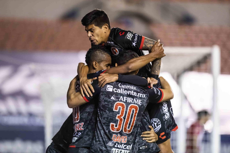 Xolos continúa con paso firme y suma un punto en San Luis