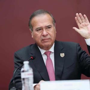 Arturo González ya está en palacio