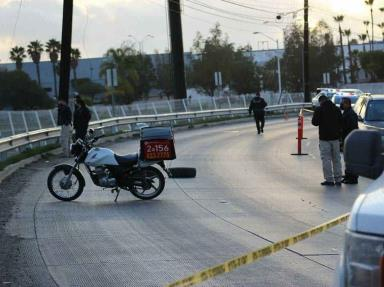 Repartidor de comida pierde la vida en un trágico accidente frente a UABC