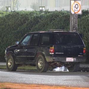 Encuentran a mujer mutilada en el interior de un vehículo junto a un narco mensaje