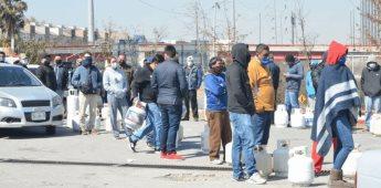 Registran largas filas para abastecerse de gas LP en Monterrey