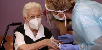 Piden no bajar la guardia a adultos mayores que se vacunaron.