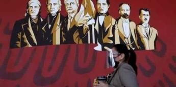 Piden retirar mural de AMLO develado en palacio municipal de Culiacán.
