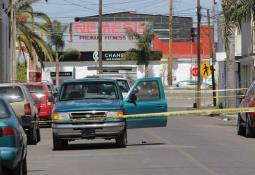 FGE recupera dos autos con reporte de robo