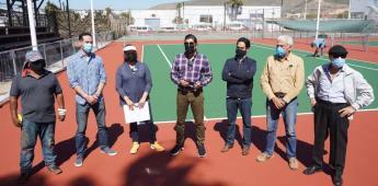 Supervisa Armando Ayala avance en rehabilitación de canchas de tenis de Valle Dorado