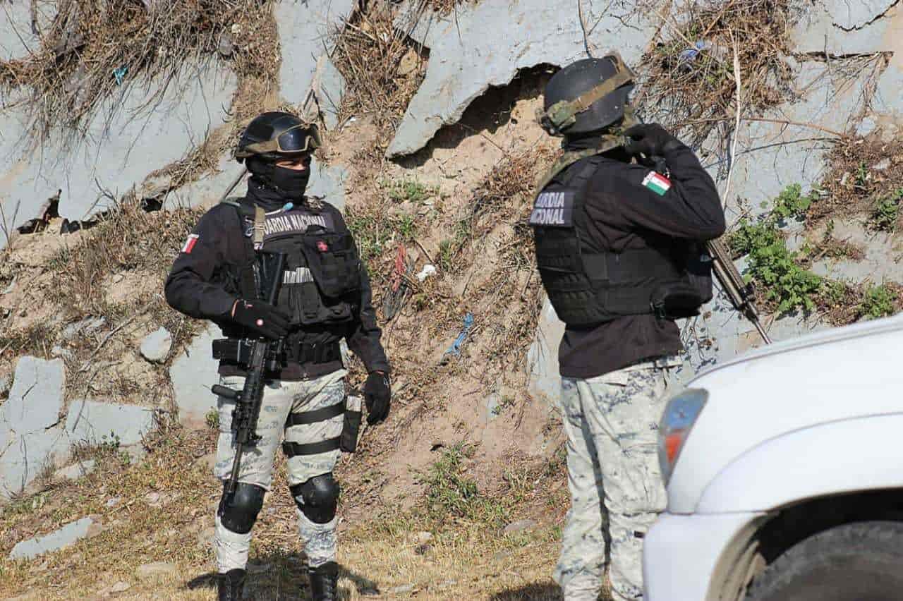 Se encuentra cuerpo envuelto en una cobija y atado con un alambres sobre el bulevar Cuauhtémoc