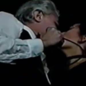 Video: Se revelan imágenes de Enrique Guzmán besando en la boca a su hija Alejandra