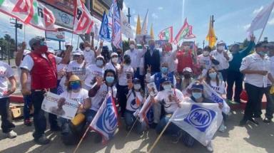 Jorge Ramos sale a las calles y recibe muestras de apoyo