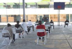 Mejoran logística para vacunación de adultos mayores en el centro de gobierno del estado en Tijuana