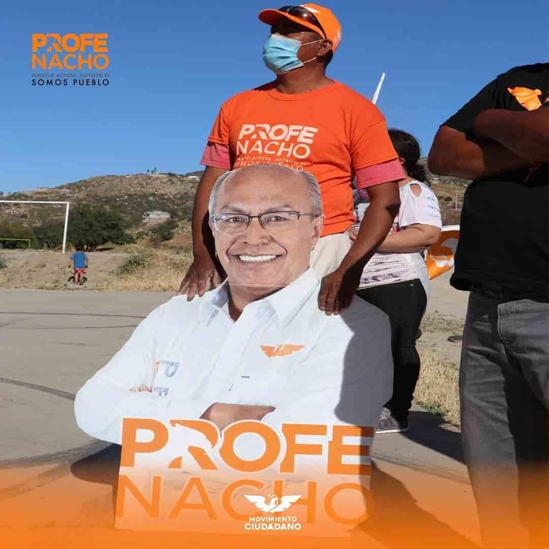 El Profe Nacho de visita en colonia popular de Tecate.