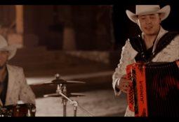 """Danny Félix"""" el creador de un nuevo género """"mariachi tumbado"""" -"""