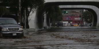 Tormenta de granizo deja calles, casas inundadas en Toluca