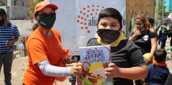 Festejan con dulces y regalos a los niños de Lomas Verdes