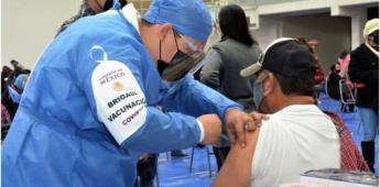 IMSS clínica 27 atiende casos leves de reacción por vacuna Covid-19