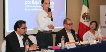 Lupita Jones escucha y recibe propuestas de Coparmex Mexicali
