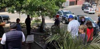 Hombre se apropia de área verde privada en Tijuana