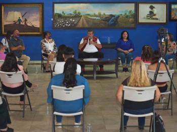 Como gobierno nos toca facilitar la participación de la mujer en el desarrollo de Baja California