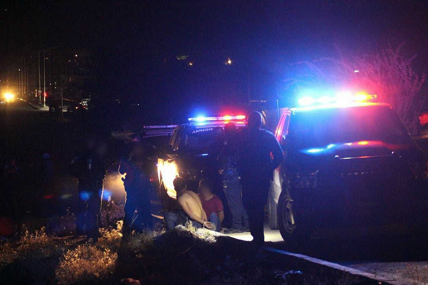 Tras persecución policial, detienen a tres jóvenes a bordo de un vehículo con reporte de robo