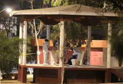 Vinculan a tres hombres y una mujer por portación de armas en Tecate