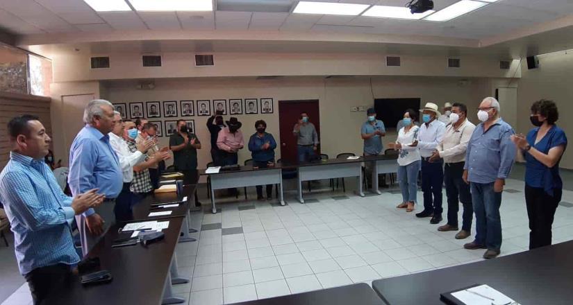 Preside secretaría del campo renovación del consejo estatal de productores de dátil de Baja California.