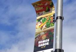 Salomón Faz apodaca presenta acciones de seproa a miembros del grupo madrugadores de Tijuana.