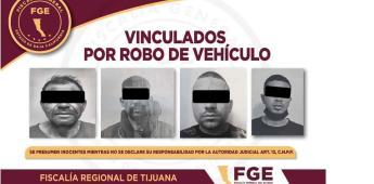 Permanecerán en prisión preventiva cuatro sujetos vinculados por robo de vehículos