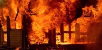 Sonora: Mujer incendia su casa con su marido dentro; cansada de encontrar un desorden en su casa
