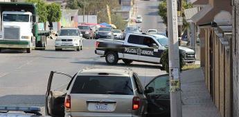 Atacan a balazos a un hombre que se encontraba a bordo de su vehículo