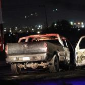 Reportan hallazgo de un cuerpo calcinado dentro de una Pick up en llamas frente a Paseos del Vergel