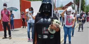 Darth Vader asiste a vacunarse en San Pedro Cholula, Puebla