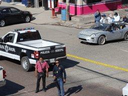 Acribillan a 3 sujetos abordo de un vehículo en Rosarito